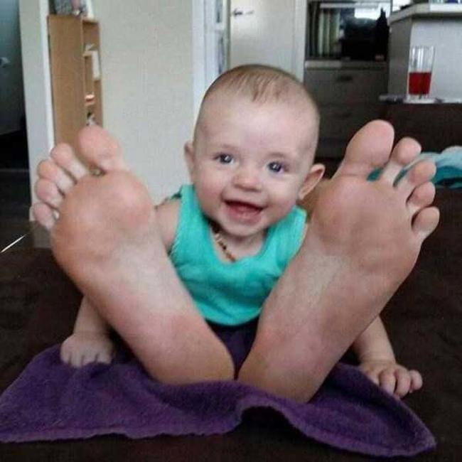 Tudod, mit mondanak, ha nagy a láb ... boldog babák!