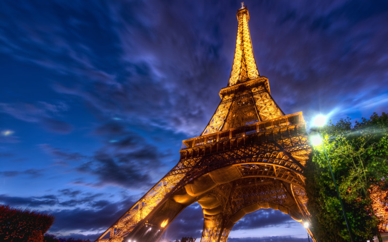 eiffel_tower_hdr-wide