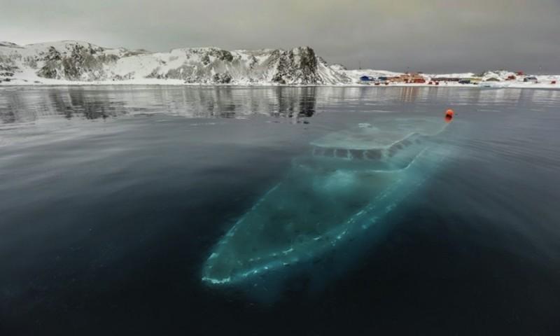 Elsüllyedt jacht az Antarktiszon