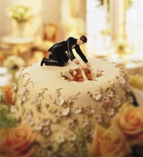 vicces esküvői torta figurák 18 nagyon vicces és különleges esküvői tortadísz   Csirip.hu vicces esküvői torta figurák
